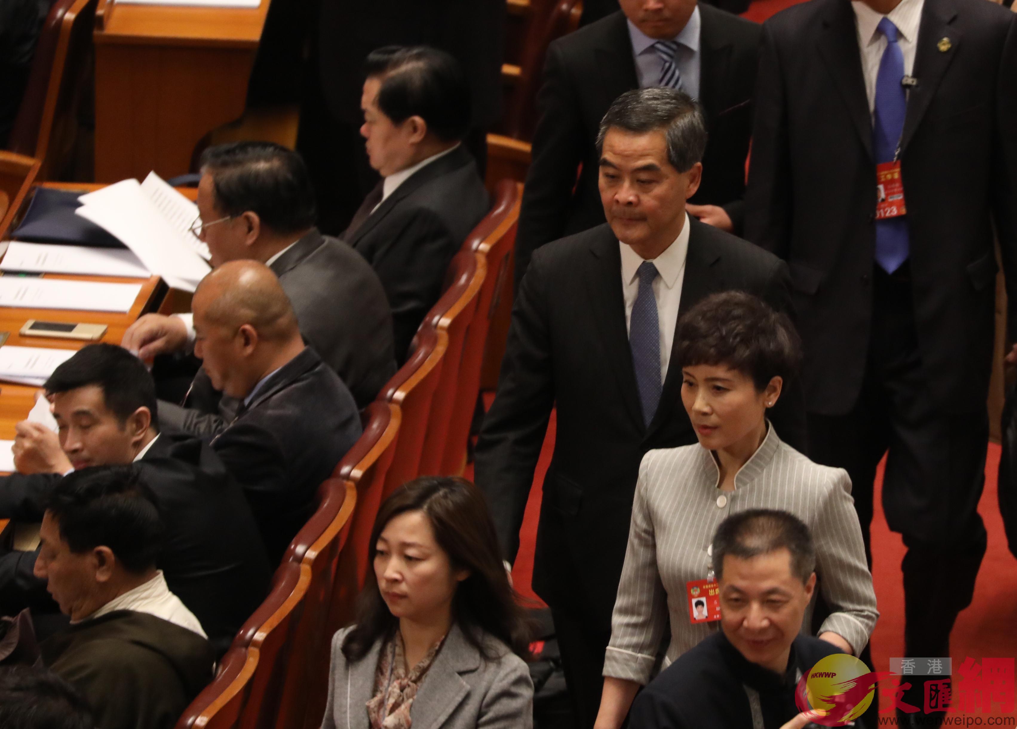 梁振英步入會場 香港文匯網記者 麥鈞傑 攝