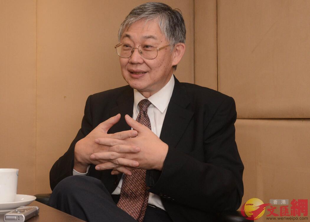 施永青接受訪問表示,回歸後香港仍保持公平的營商環境(中通社)