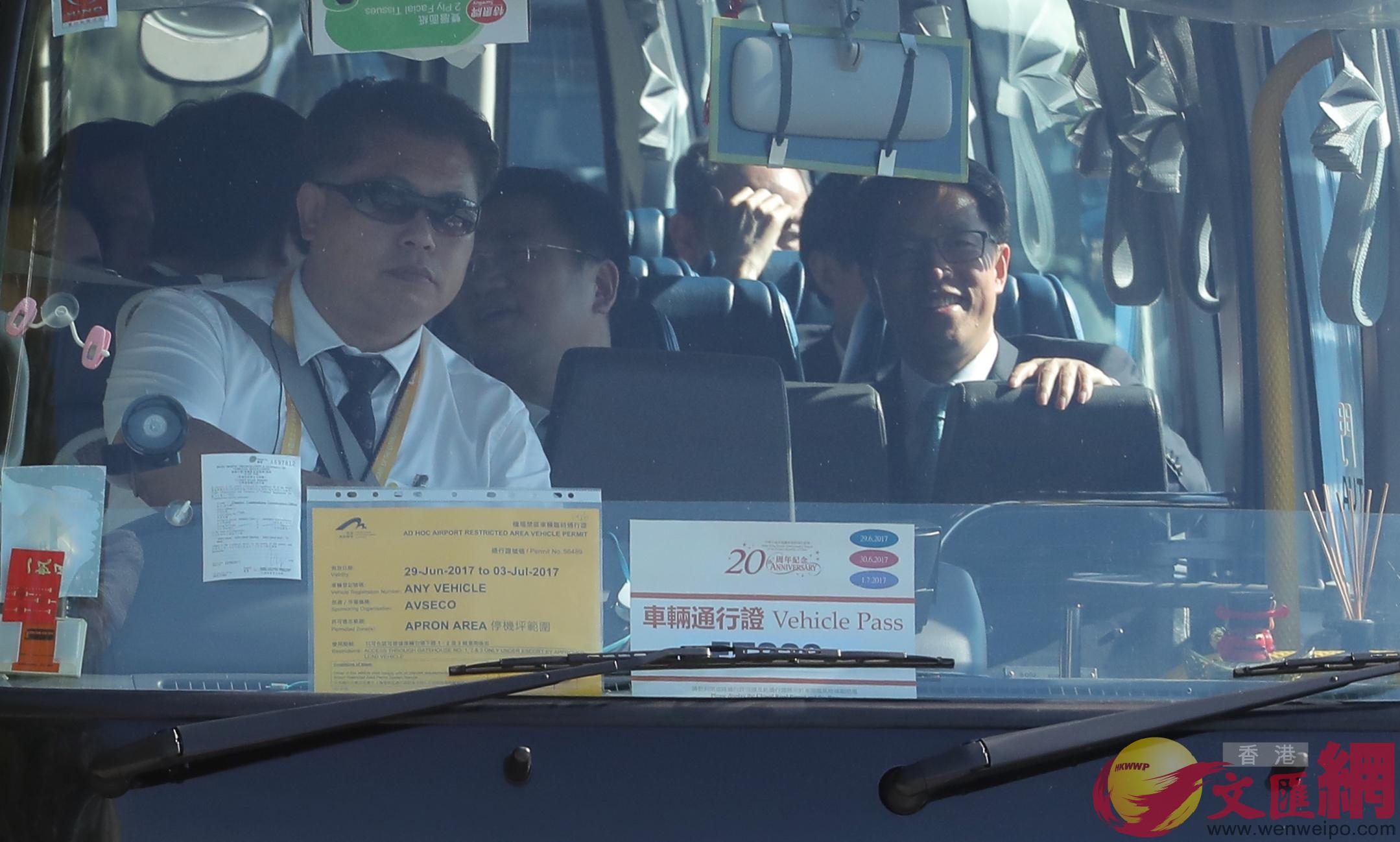 香港中聯辦主任張曉明(右)(大公文匯全媒體記者麥鈞傑攝)