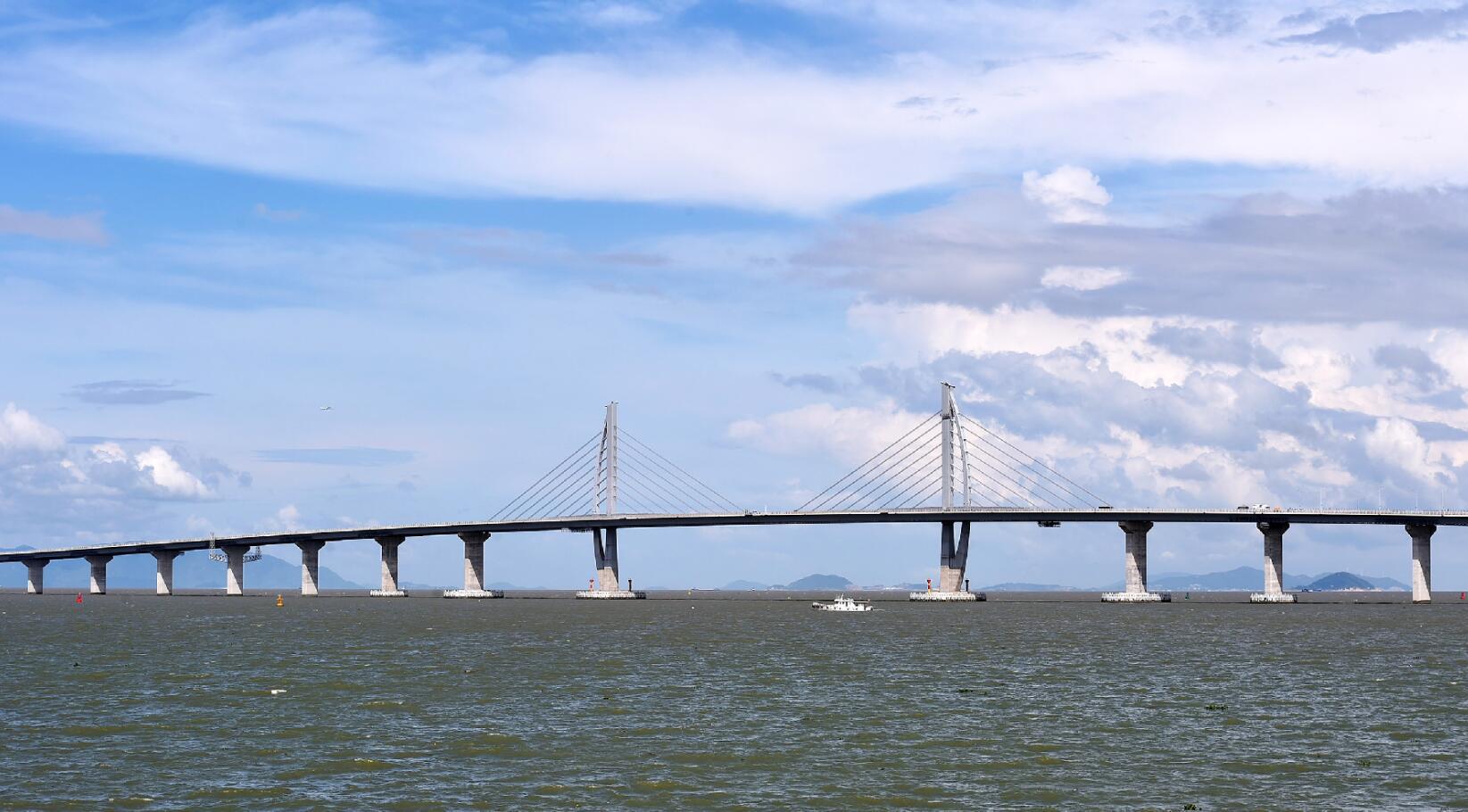 集 超级工程 港珠澳大桥主体全线贯通