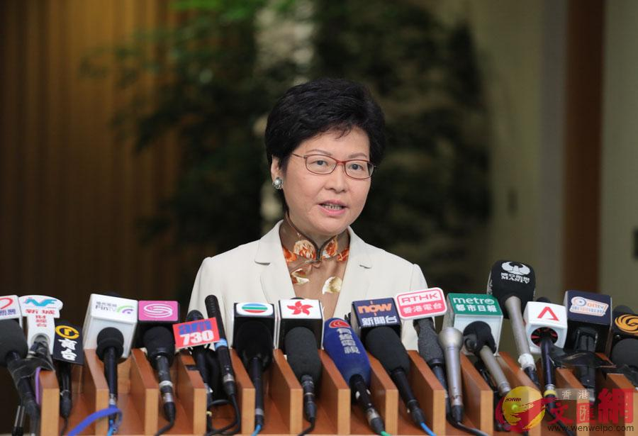 25日上午林鄭月娥在出席行政會議前見記者(大公文匯全媒體記者麥鈞傑攝)