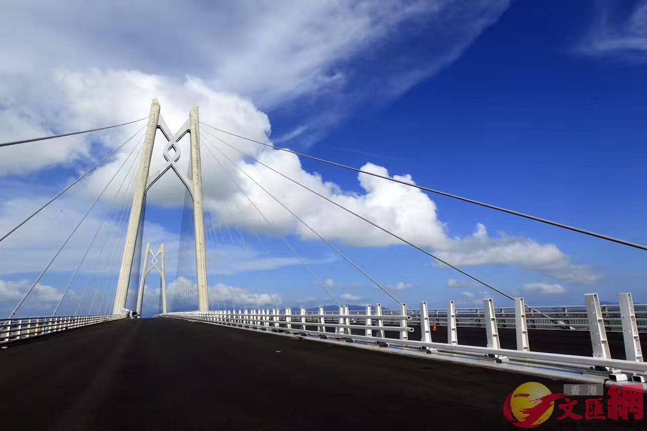 港珠澳大橋已建成「中國結」造型的青州航道橋。
