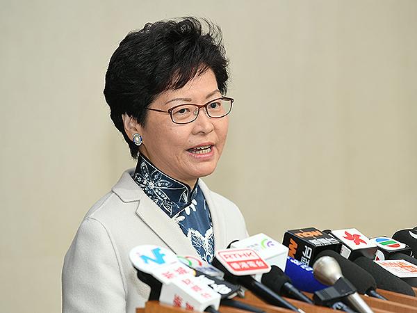 行政�L官林�月娥12月5日����髅健�