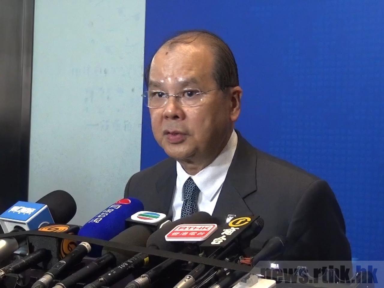 張建宗說政府絕對關注沙中綫超支問題,正等待港鐵提交進一步數據。(香港電台)