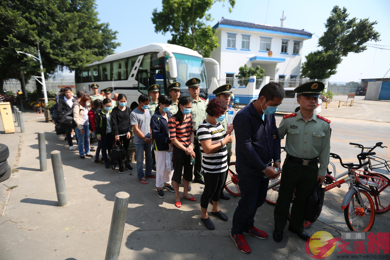 廣東邊防查獲一批外籍偷渡人員。