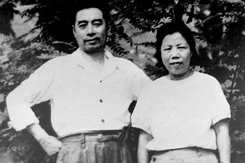1948年5月,兩人在三大戰役總指揮部西柏坡。