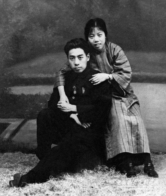 1926年8月8日廣東汕頭,兩人結婚1周年紀念。