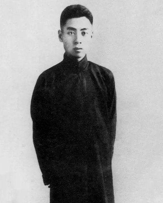 1920年1月,周恩來等人在反帝愛國運動中被北洋軍閥政府警察拘捕。圖為被捕前的留影。
