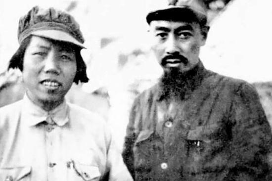 1935年10月,經過艱難卓絕的跋涉走完長征,他們在瓦窯堡留下憔悴的合影。