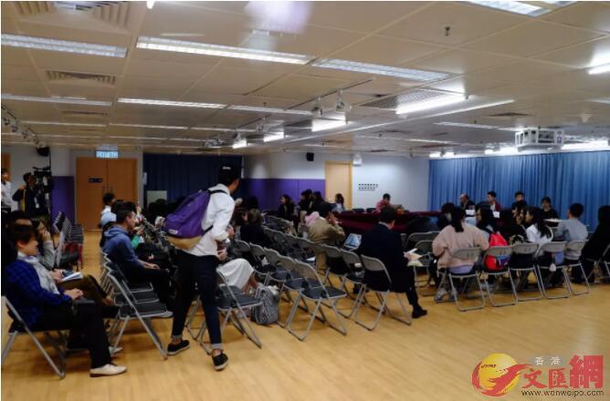 校方及學生會舉行會議,討論有關考試評分及合格標準(大公文匯全媒體記者麥鈞傑攝)