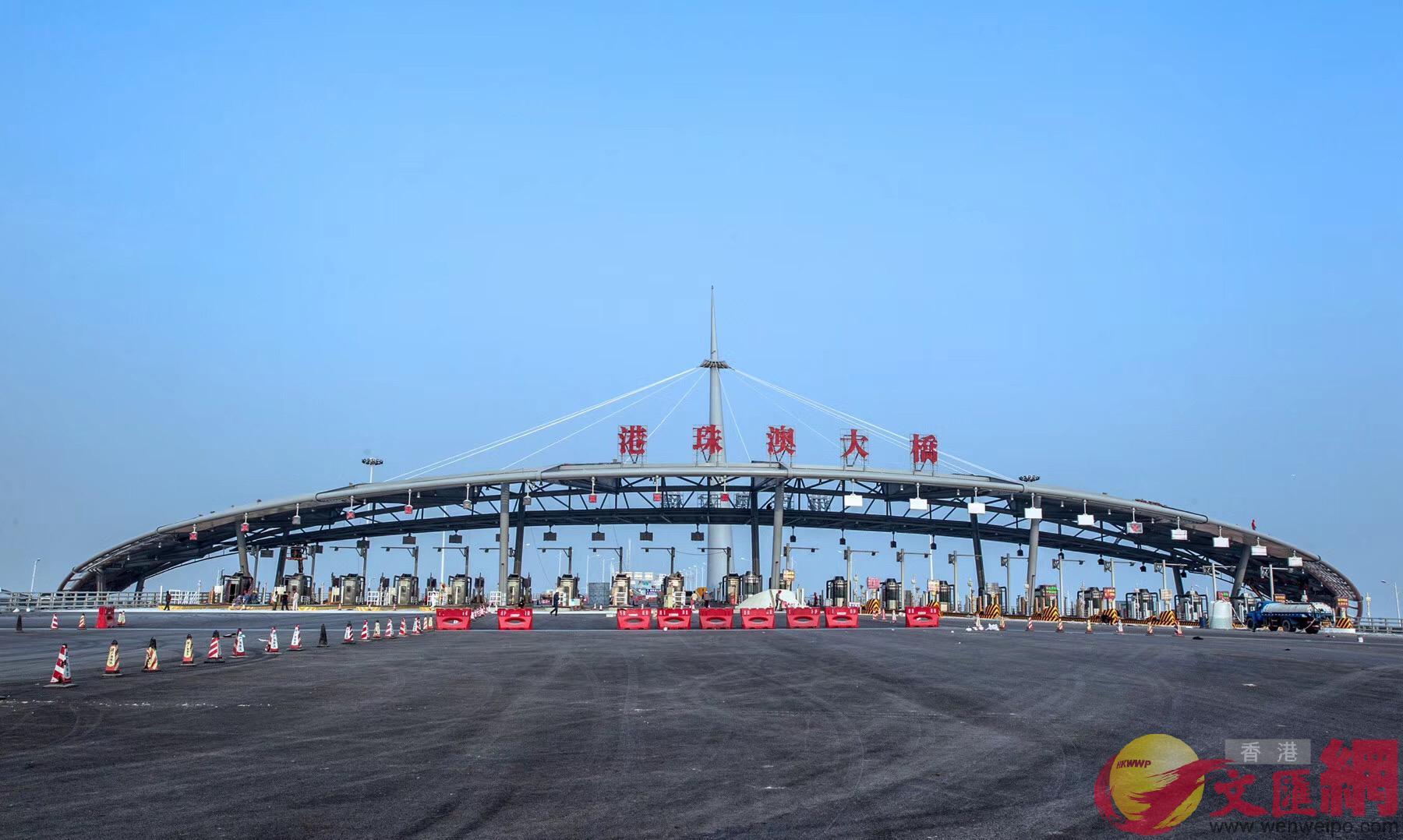 港珠澳大橋島隧工程將於2月6日進行交工驗收。(記者方俊明攝)