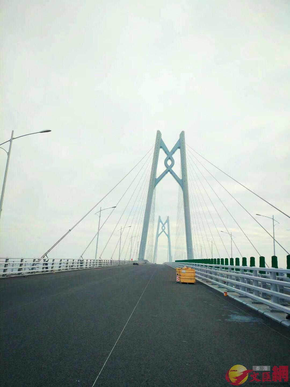港珠澳大橋主體工程6日起迎來交付驗收,圖為主體工程的橋樑(方俊明 攝)