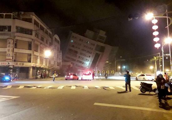這是地震後的花蓮街頭(2月7日攝)。