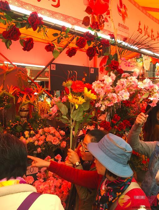 廣州花市啟動,吸引大量遊客(記者敖敏輝攝)
