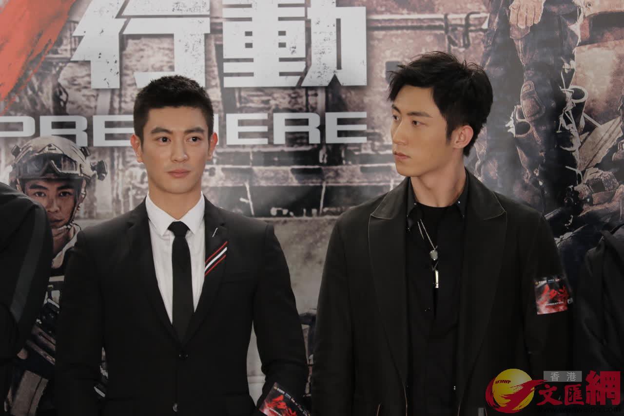 演員黃景瑜(右)說,相信《紅海行動》一定會成為中國經典的戰爭片