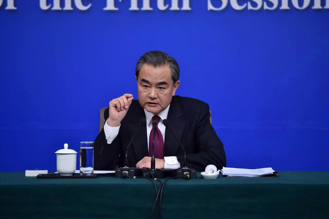 外交部部長王毅回答記者提問