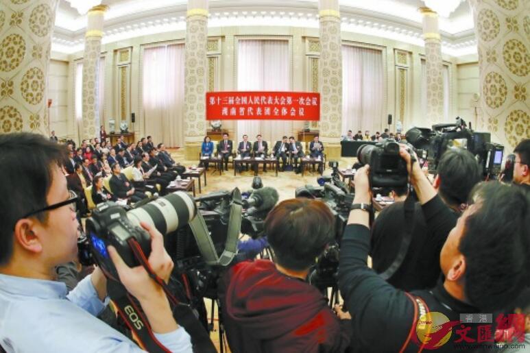 湖南團媒體開放日活動吸引了99家中外媒體關注。
