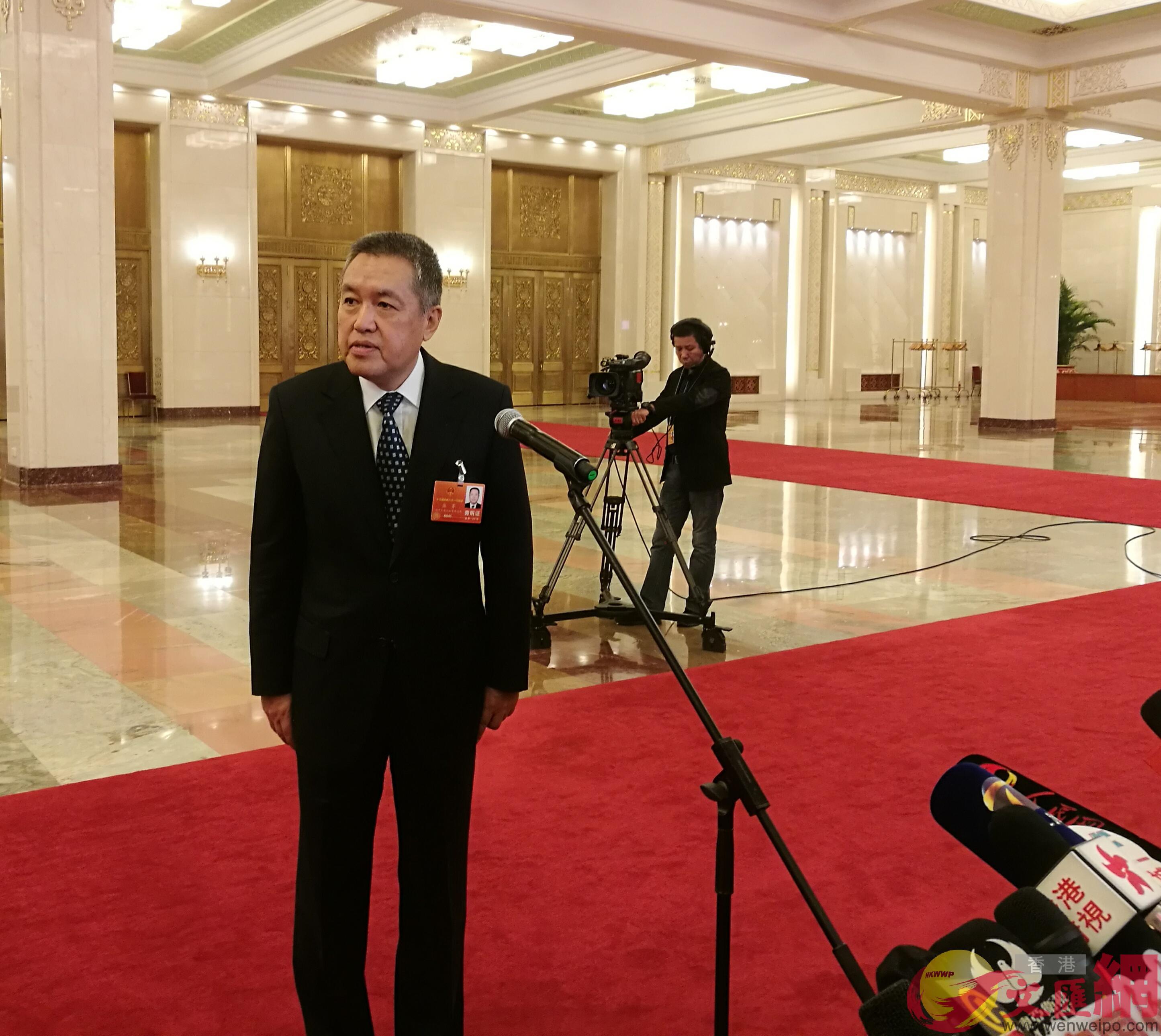 國家工商總局局長張茅9日回答記者提問(張帥 攝)