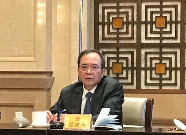 全國人大代表、北京大學校長林建華,張聰攝。