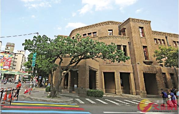 台北的「二二八紀念館」免費借場給楊月清「播獨」