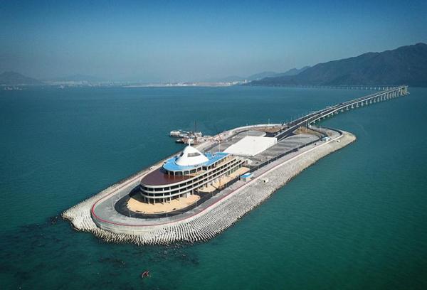 港珠澳大橋東人工島,攝於2018年1月20日。(來源:中國日報網)