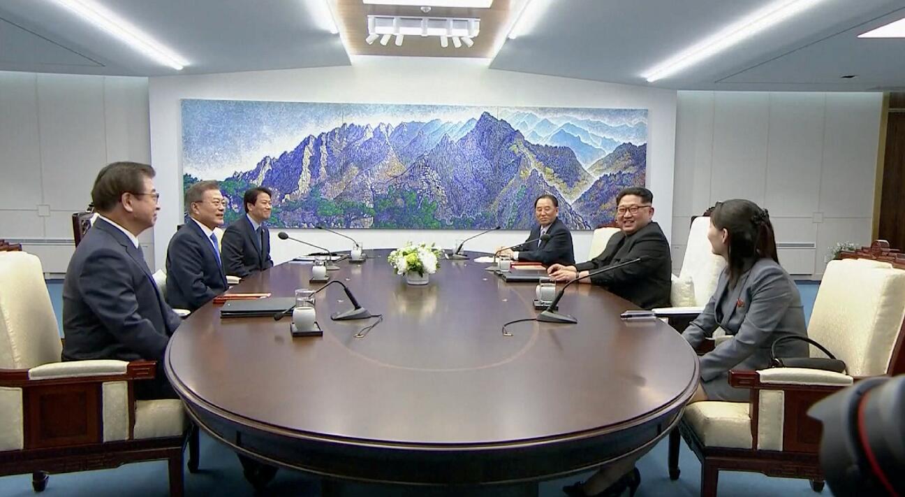朝韓峰會27日上午正在板門店韓國一側的「和平之家」舉行,朝鮮最高領導人金正恩表示,自己是以發令起跑的心情訪問韓國(電視截圖)
