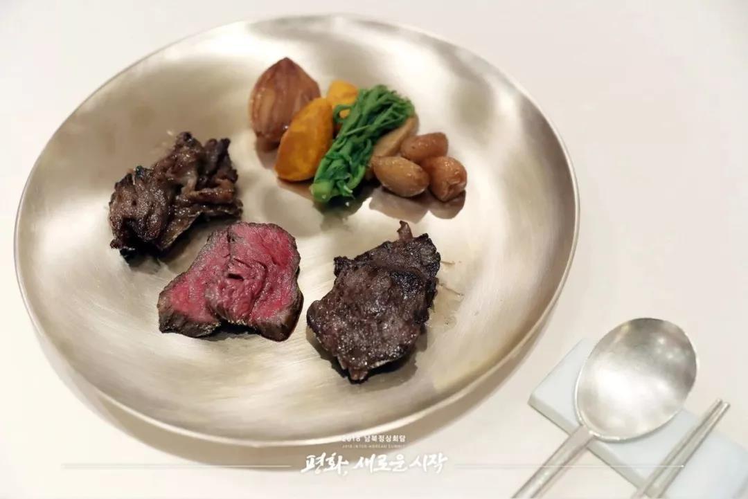 以韓牛為原料的炭烤牛肉。韓國總統府fb