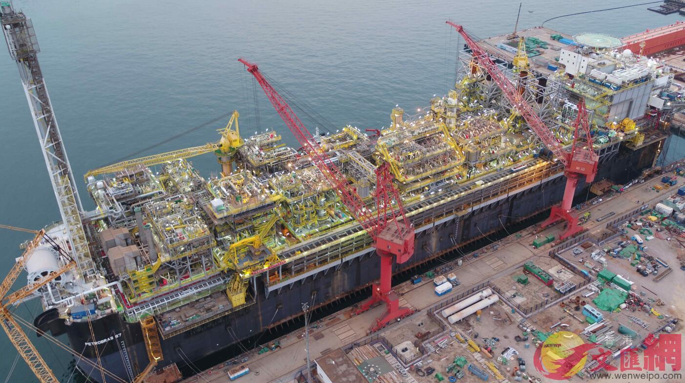 P67超大型海上油氣加工裝置