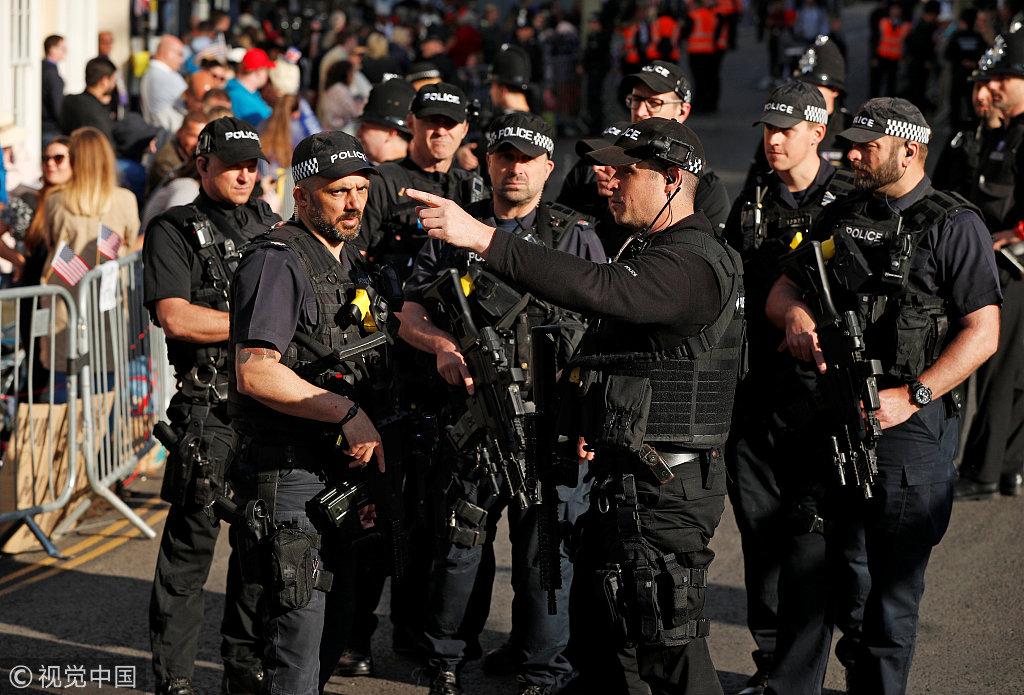 英國警方稱,19日哈里王子婚禮,將有超過10萬民眾湧進溫莎城堡觀禮,交通、安保壓力極大。(視覺中國)
