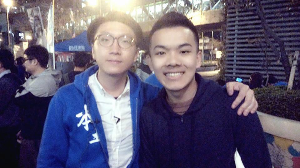 王進洋(右)與暴動罪成的梁天琦十分老友,或會出選「東涌南」