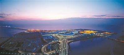 港珠澳大橋珠海口岸旅檢大樓堪比國際機場