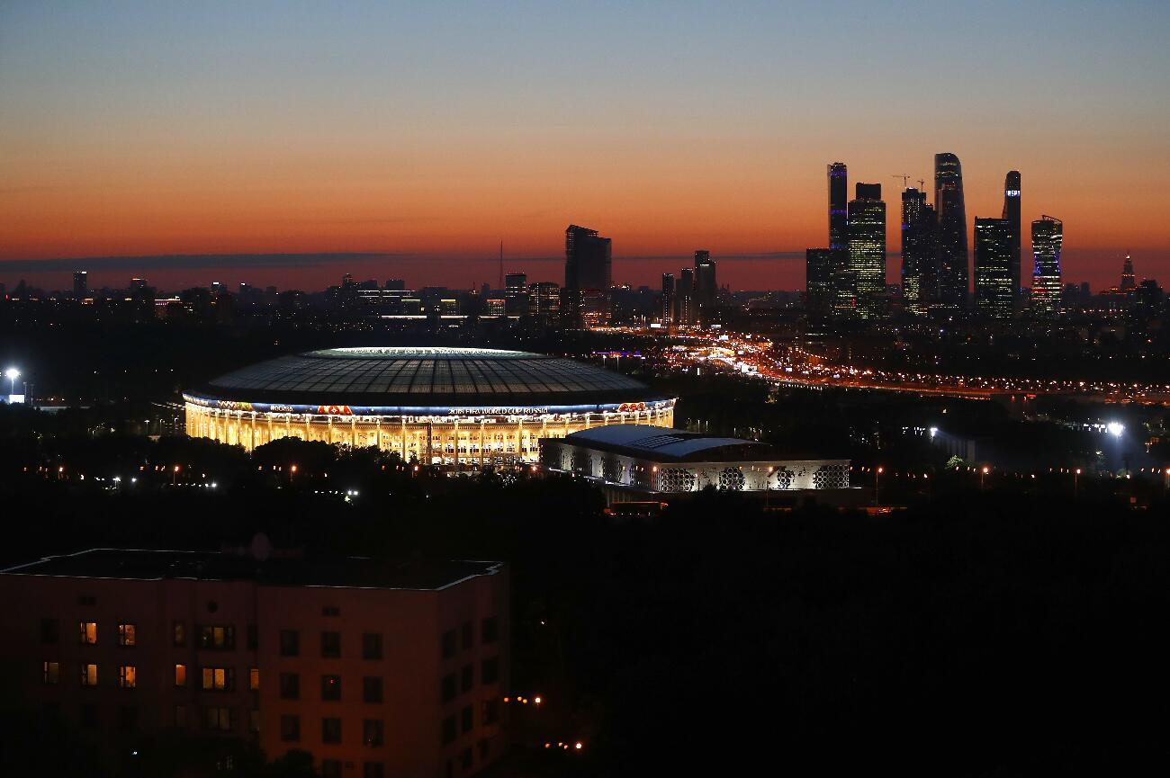 夕陽下的莫斯科盧日尼基體育場