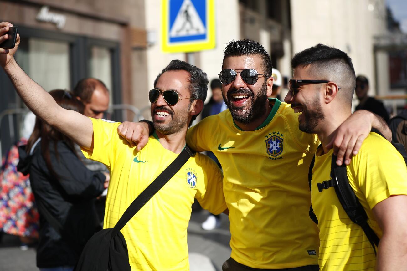 身著巴西球衣的球迷