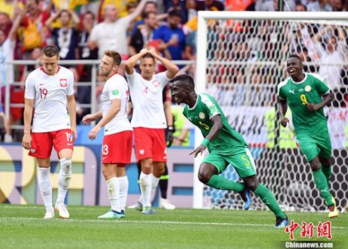 塞內加爾隊球員進球後慶祝。(中新網)