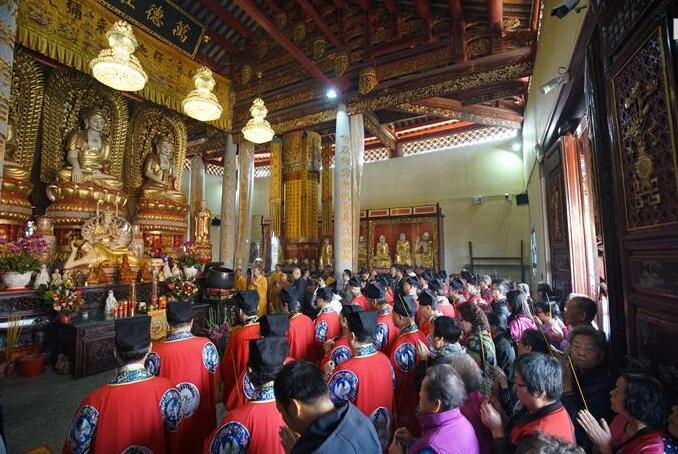 黃大仙祠今年舉辦香港首個敬拜孔子的開筆禮(黃大仙祠資料圖)