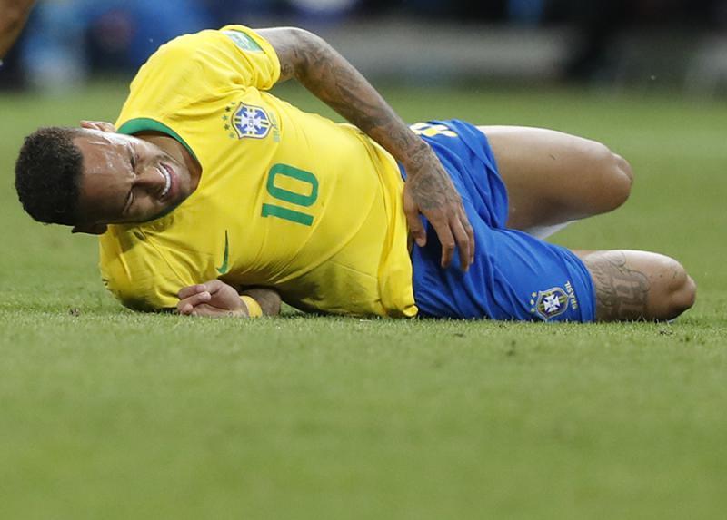 巴西巨星尼馬恆常「插水」壞了名聲,已成全球笑柄