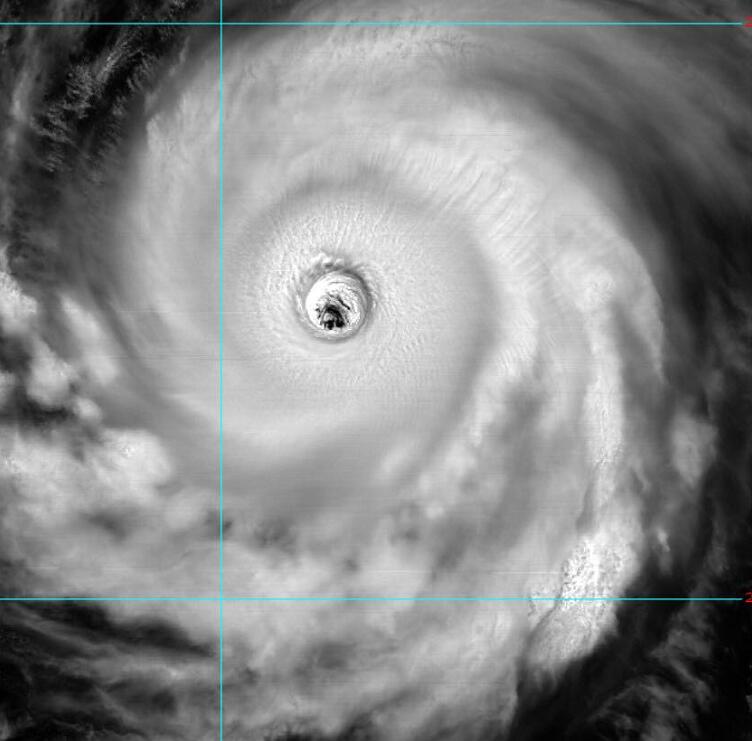 颱風「瑪莉亞」「美瞳照」(翻攝自吳聖宇fb)