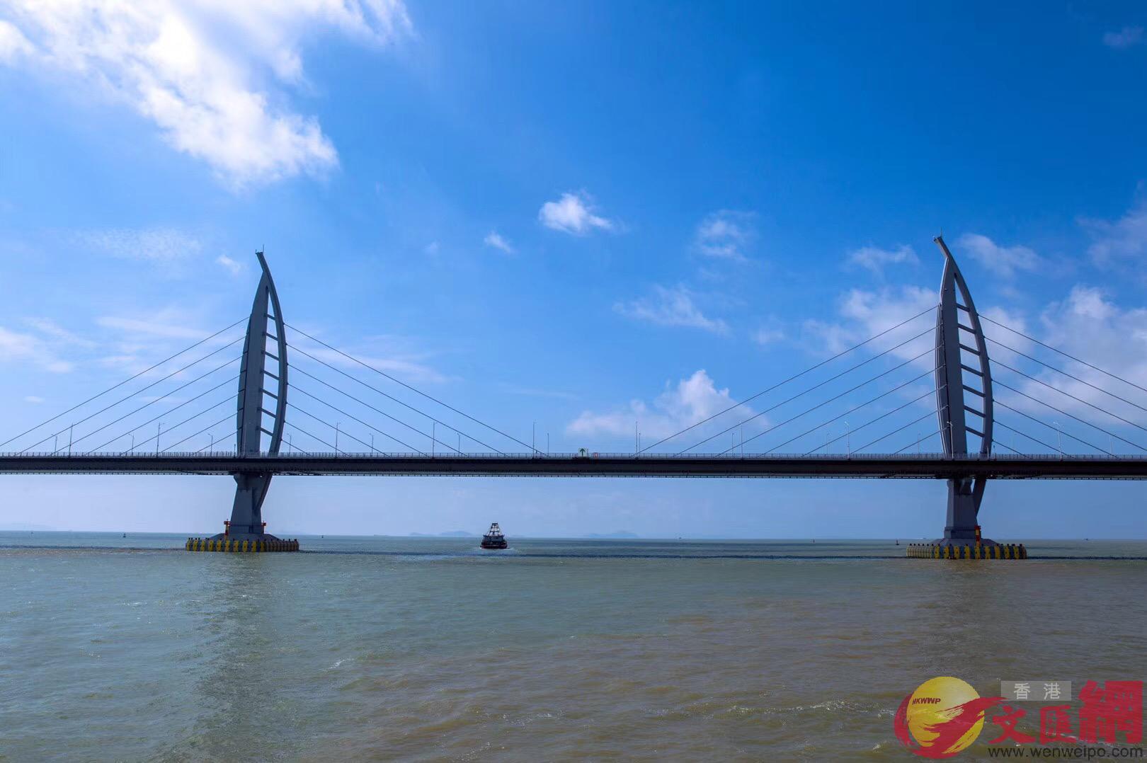 港珠澳大橋主體工程在今年二月已完成交工驗收,近期全線通車。記者 方俊明 攝