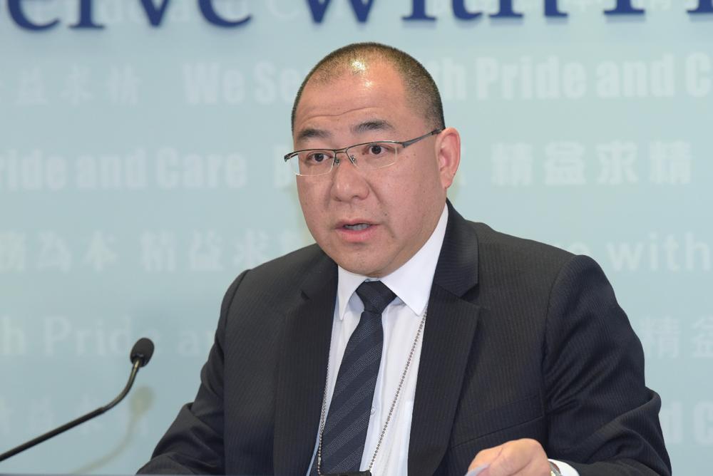 香港商業罪案調查科總警司曾正科出席香港商業調查科記者會。