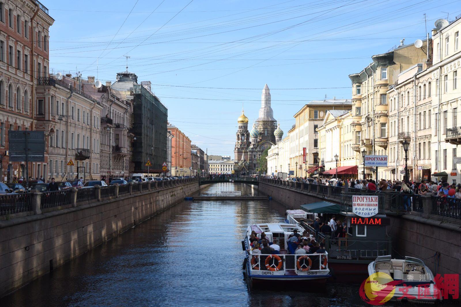 教堂河,河上有觀光船供遊客乘搭。大文特派記者 何嘉軒 攝