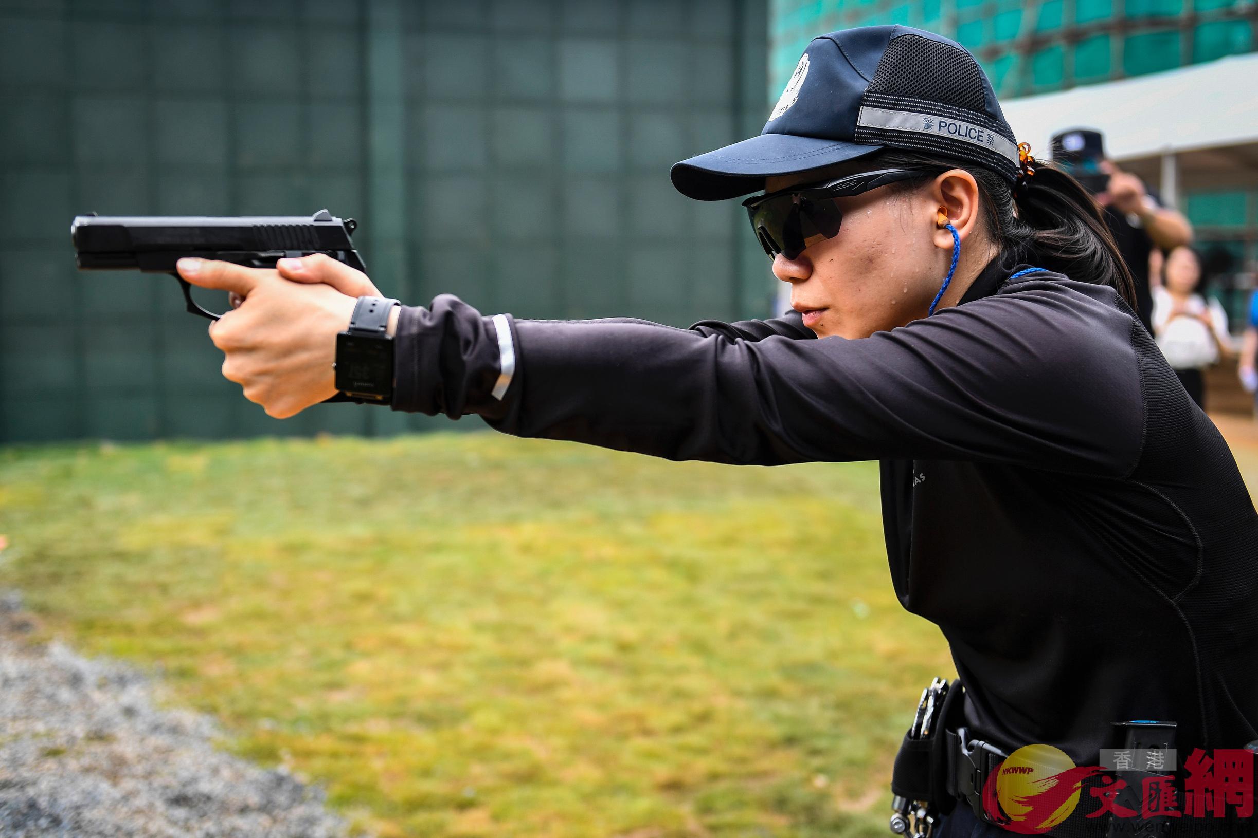 今次射擊賽接軌國際,模擬10個執法實戰場景。(記者方俊明 攝)