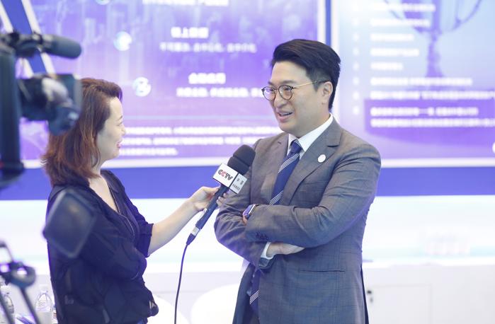 恆基兆業集團副主席李家誠在智博會期間接受媒體採訪 受訪人供圖