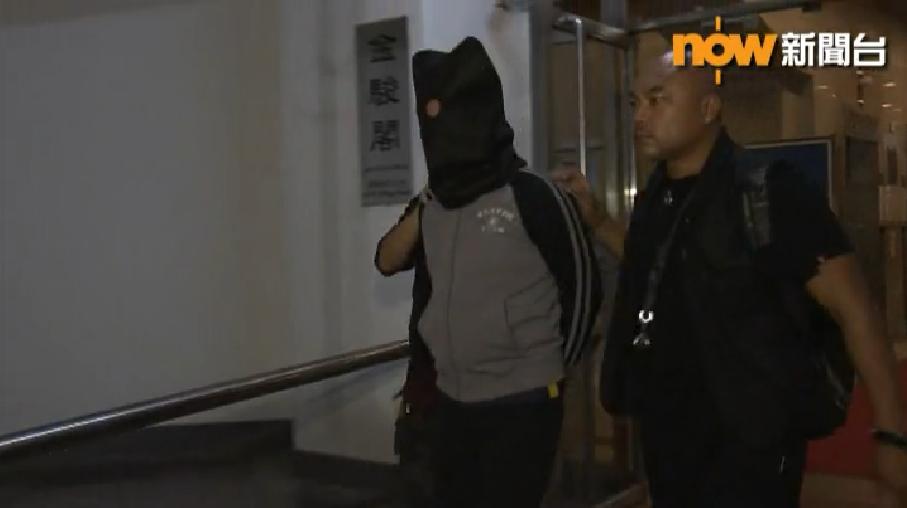 涉案的26歲黑幫男今日凌晨被捕。電視截圖
