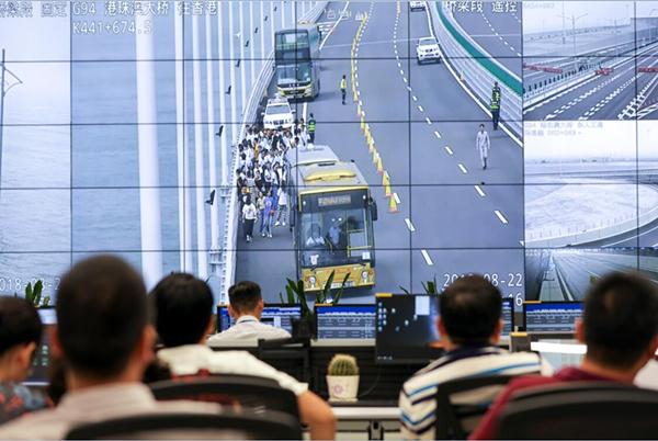 通過模擬突發事故等情況,測試港珠澳大橋各業務板塊運作情況。大橋管理局供圖