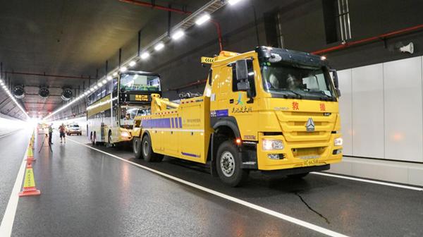 穿梭巴士、運維養護車及相關公務車輛等多類車輛參與測試。大橋管理局供圖