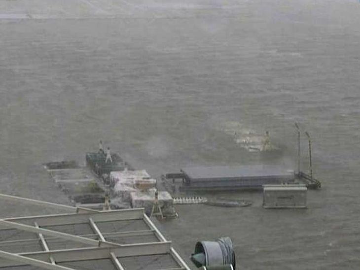超強颱風「飛燕」4日登日本 關西機場一片汪洋(電視截圖)