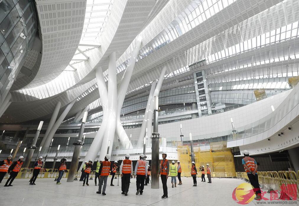 香港特區政府運房局表示,正研究乘客用內地居住證購高鐵票。圖為高鐵西九龍站(大公文匯全媒體記者麥鈞傑攝)