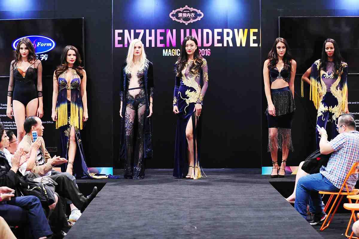 SIUF國際衣超模冠軍姜貝貝領銜美國Magic Show大秀。