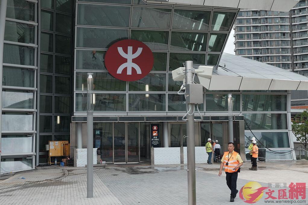 越站補票不適用於高鐵香港段,港鐵稱違者重罰。圖為高鐵西九龍站(大公文匯全媒體記者麥鈞傑攝)