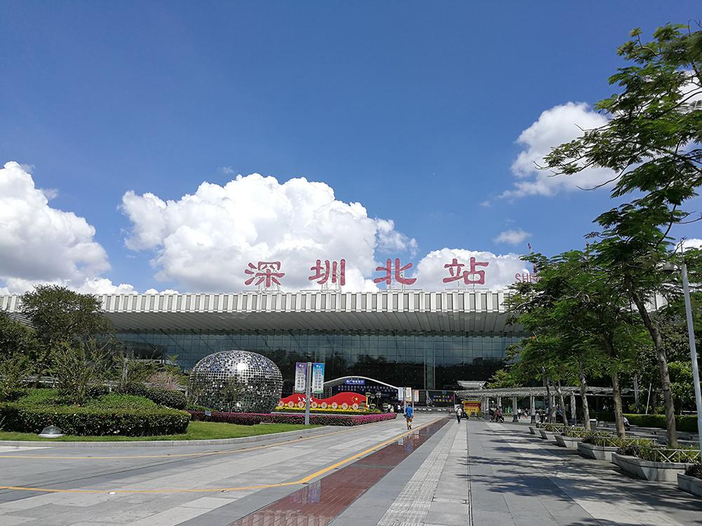 廣深港高鐵車票8時發售 深圳首發車車票一小時內售罄